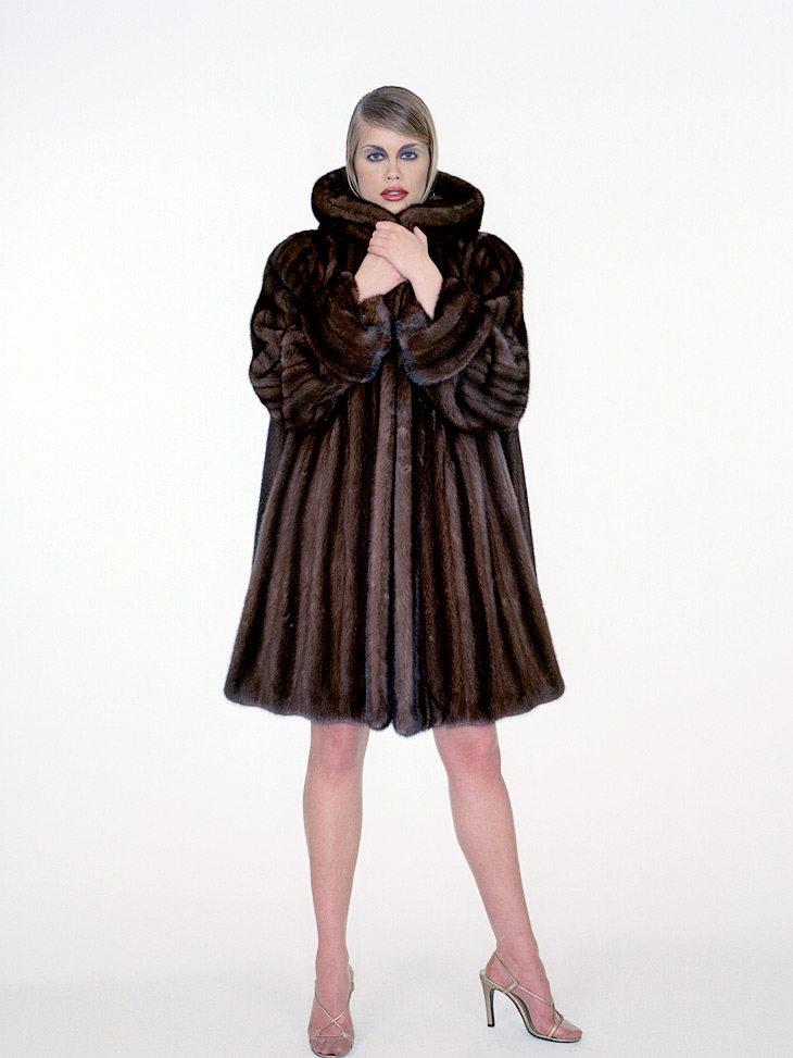 Mink fur on model, photographed by hansen-hansen.com