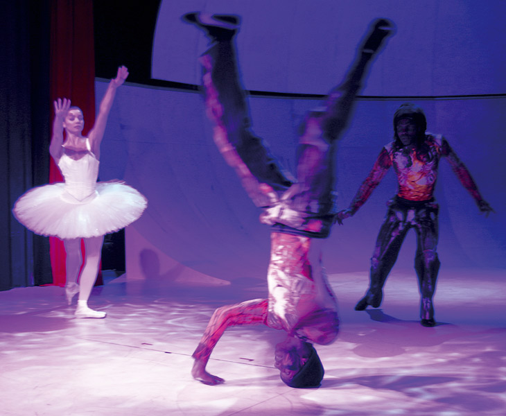The Nutcracker, Nøddeknækkeren at Aveny-T, 2003, photo: Hansen-Hansen.com