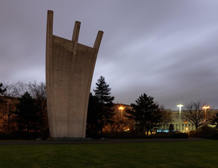 Luftbrückendenkmal (Berlin Airlift Monument), 2011