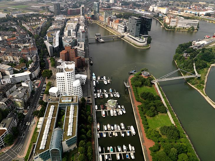 Düsseldorf Medienhafen (Media Habor) photo: hansen-hansen.com, 2012