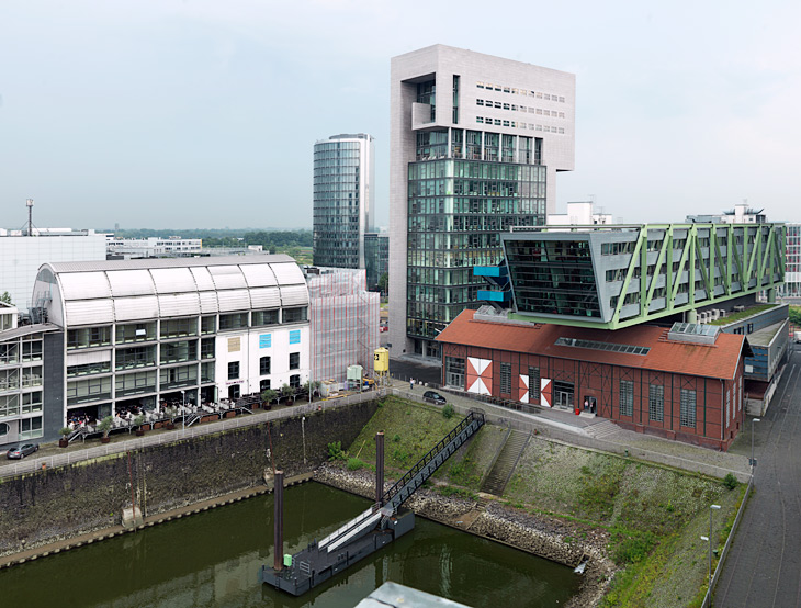 Dock Office Tower and Port Event Center in Düsseldorf Medienhafen