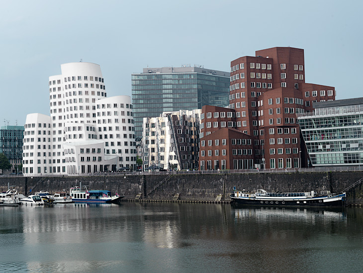 The New Zollhof: The there Frank O. Gehry office buildings in Düsseldorf Medienhafen