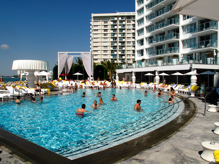 Hotel Mondrian Miami, 2009, photographed by Hansen-Hansen.com